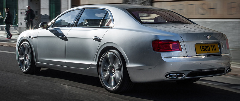 V8 power voor Bentley Flying Spur op Autosalon Geneve