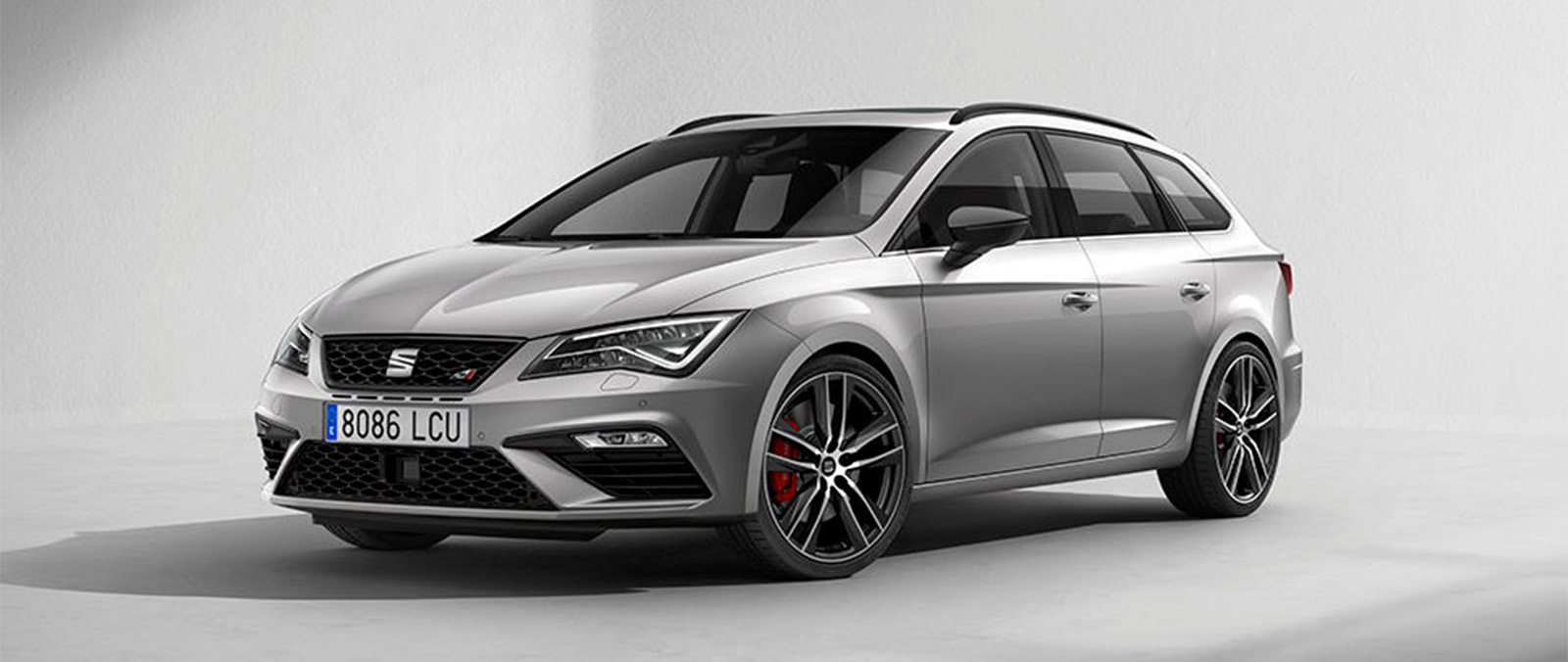 SEAT Leon CUPRA Black is hot