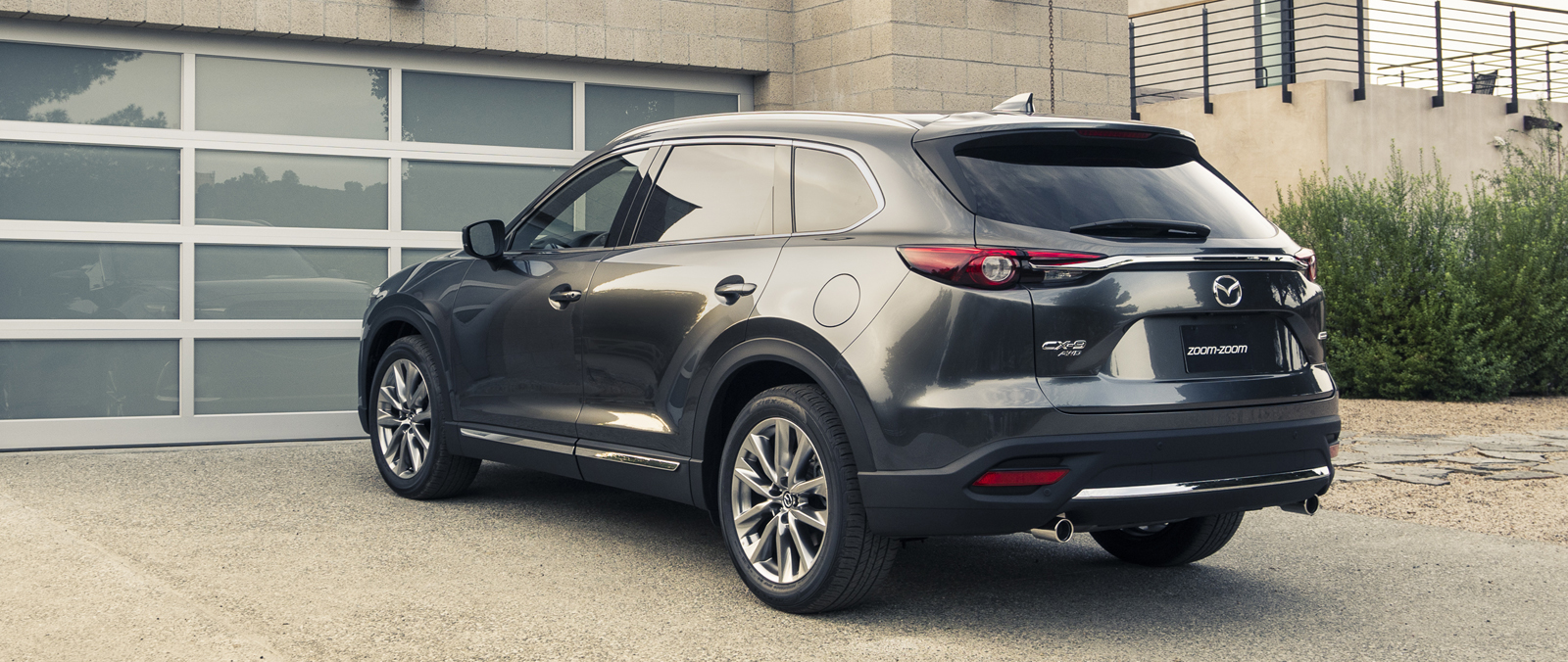 Mazda CX-9 is 7-zits crossover SUV