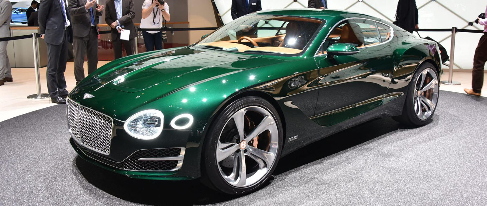 Bentley en Borgward op de Autosalon van Geneve 2015