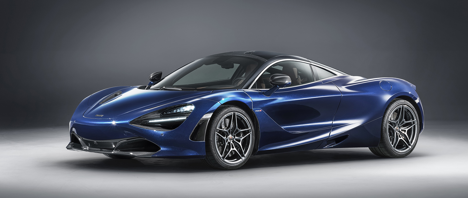 McLaren 720S in de kleur Atlantic Blue
