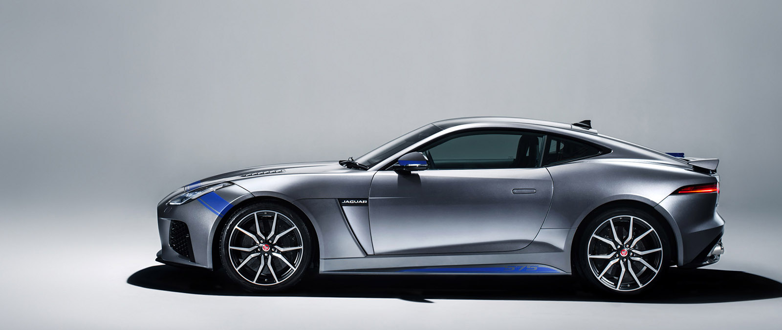 Graphic Pack verfraait Jaguar F-TYPE SVR