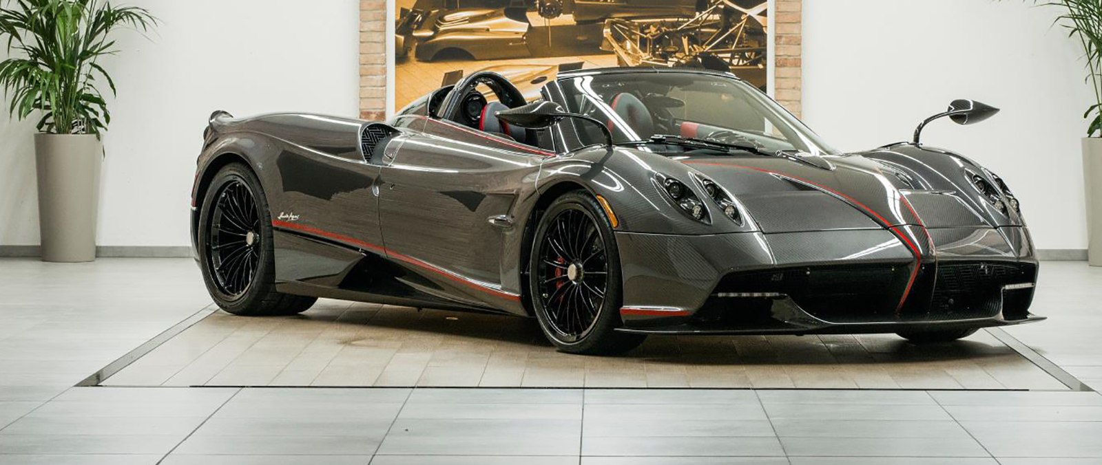 Pagani Huayra Roadster met soft top