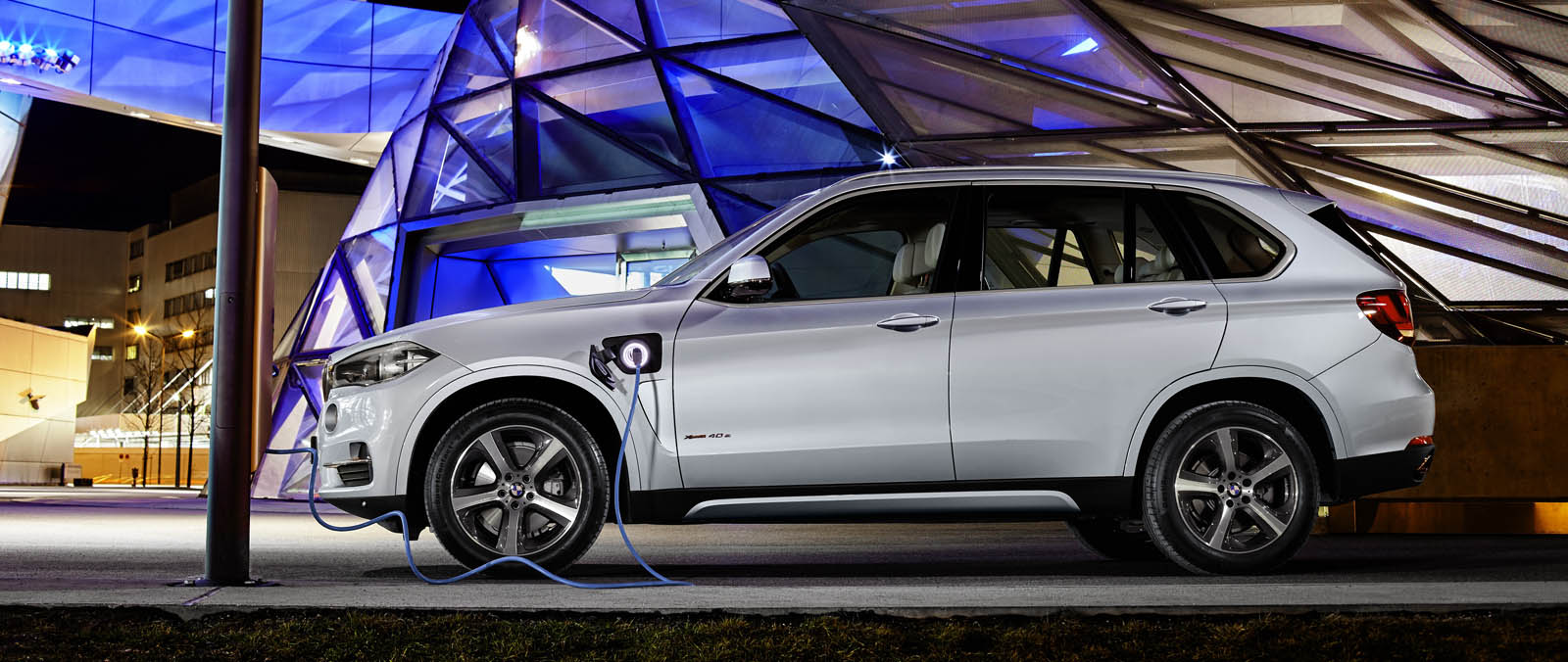 Bmw x5 xdrive40e is krachtige plug in hybride bmw for 3e1 exterieur design pure excellence