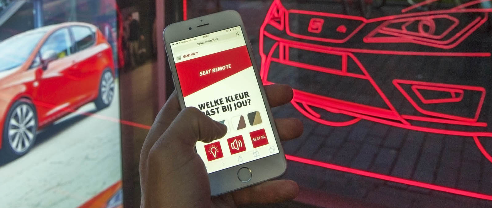 Seat connect met consumenten via digitale abri
