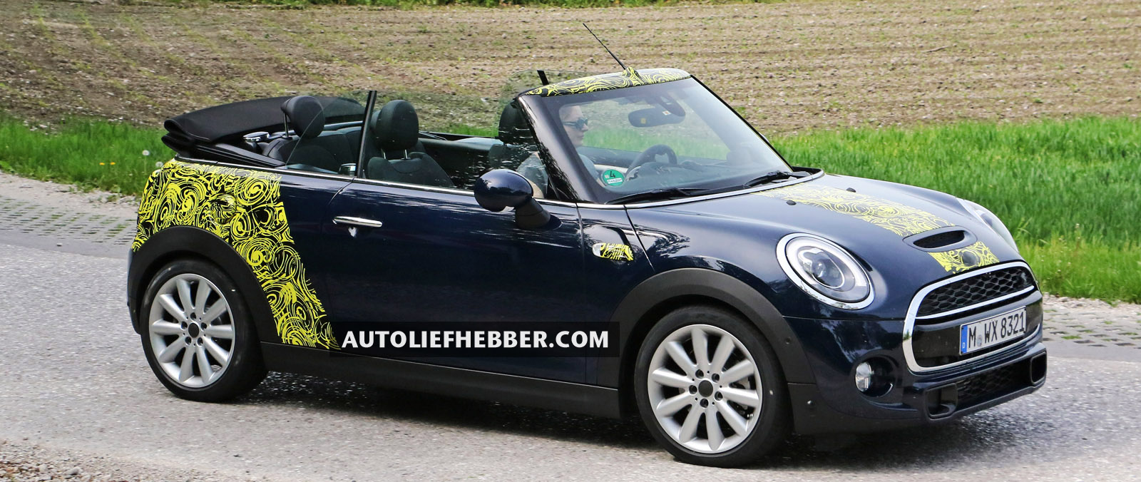 Mini Cooper S test met dak open