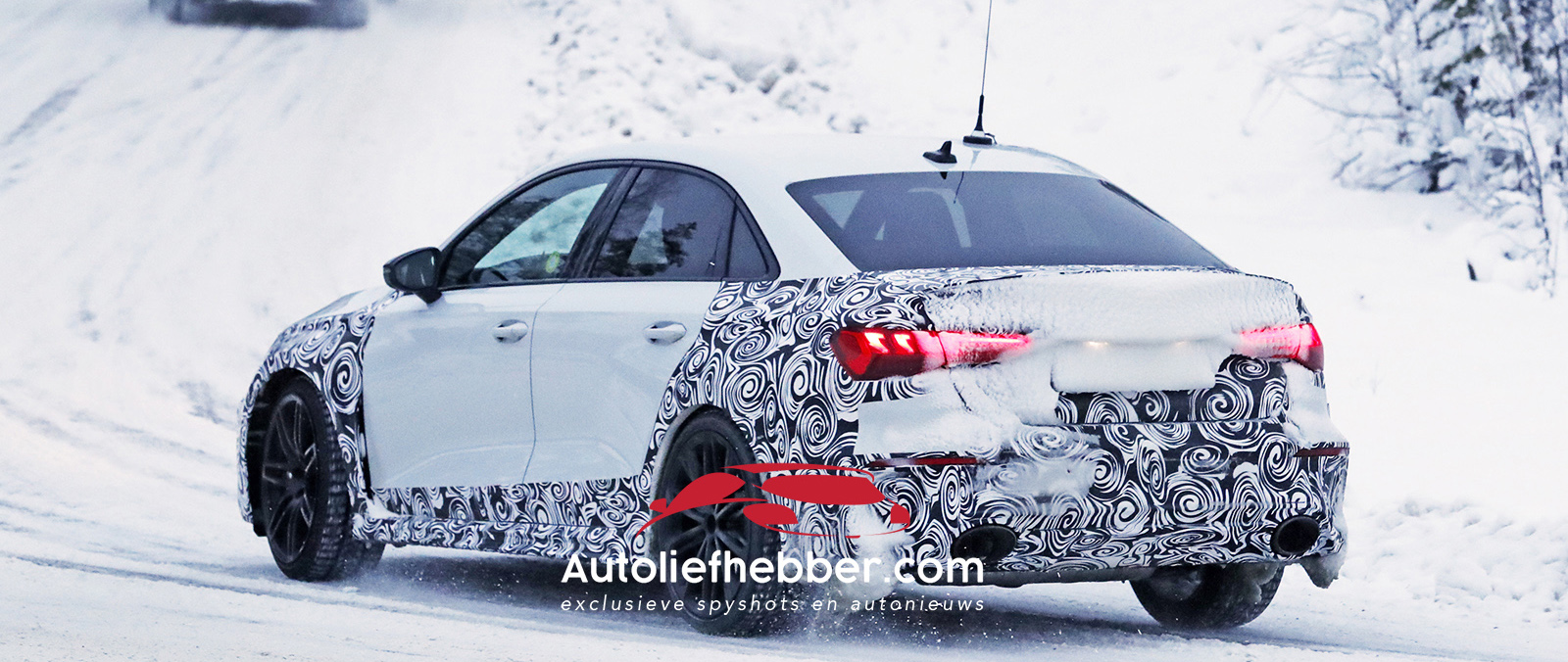 Audi RS3 Sedan test in sneeuw