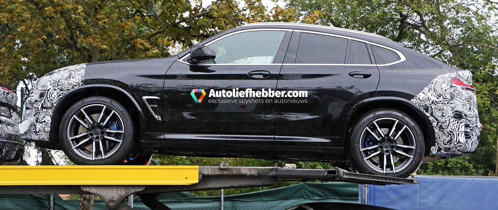 BMW X4 M facelift op autotransporter