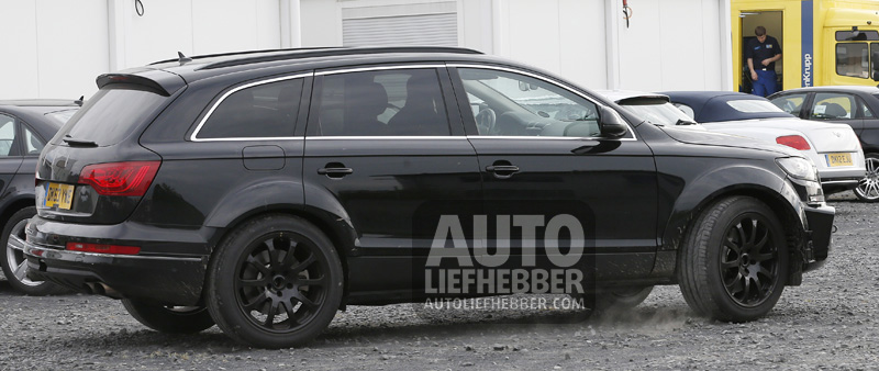 Bentley SUV Mule in de body van een Q7