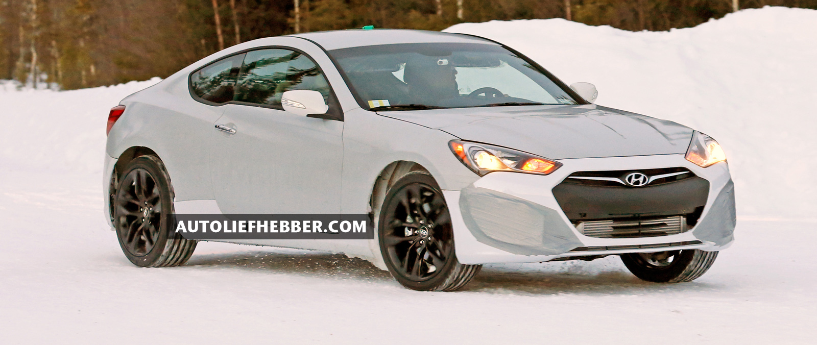 Hyundai Genesis Coupe start testfase