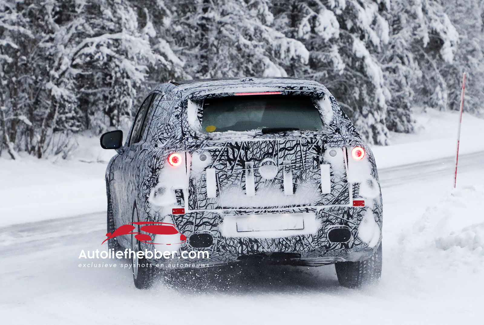 Wintertest voor Mercedes SUV EQS