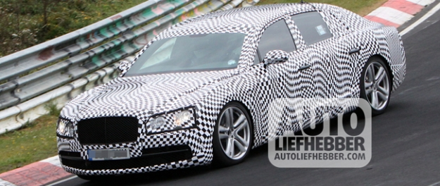 Bentley Continental Flying Spur tijdens testen op de Ring