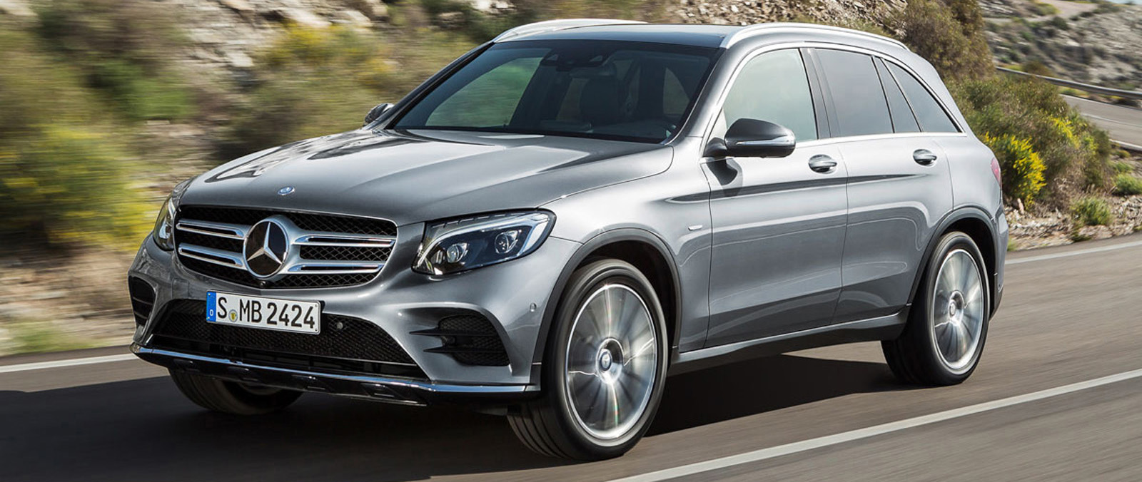 mercedes hybride glc 2016 mercedes glc plug in hybrid review top speed mercedes benz unveils. Black Bedroom Furniture Sets. Home Design Ideas
